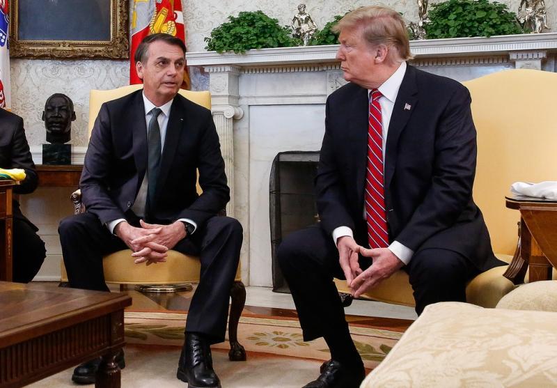 Ao lado de Bolsonaro, Trump diz apoiar entrada do Brasil na OCDE