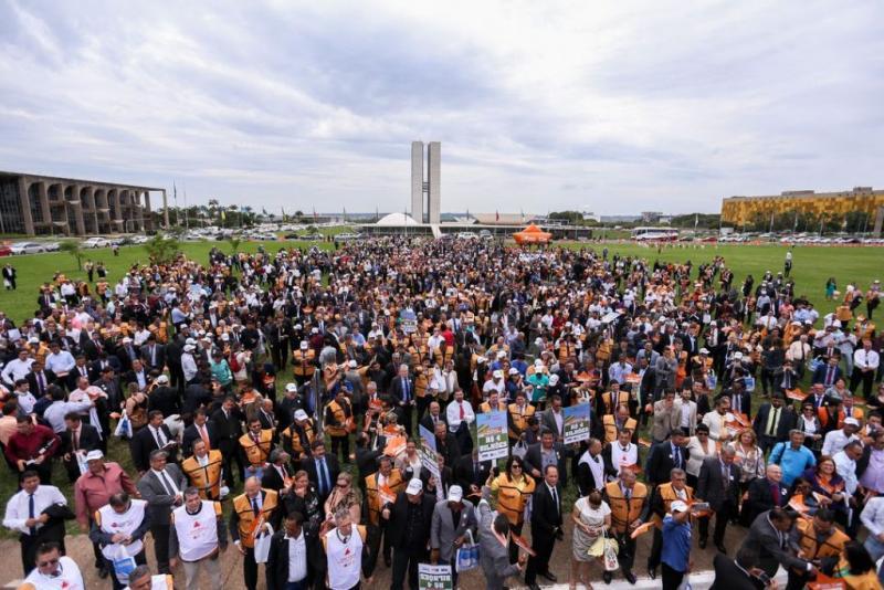 Bahia bate recorde na marcha dos prefeitos em Brasília