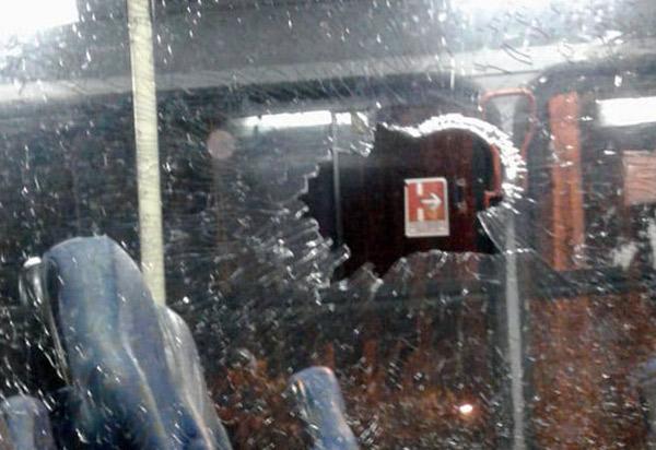 Ônibus que faz a linha do Bairro Urbis II ao Centro de Brumado foi alvo de tiros