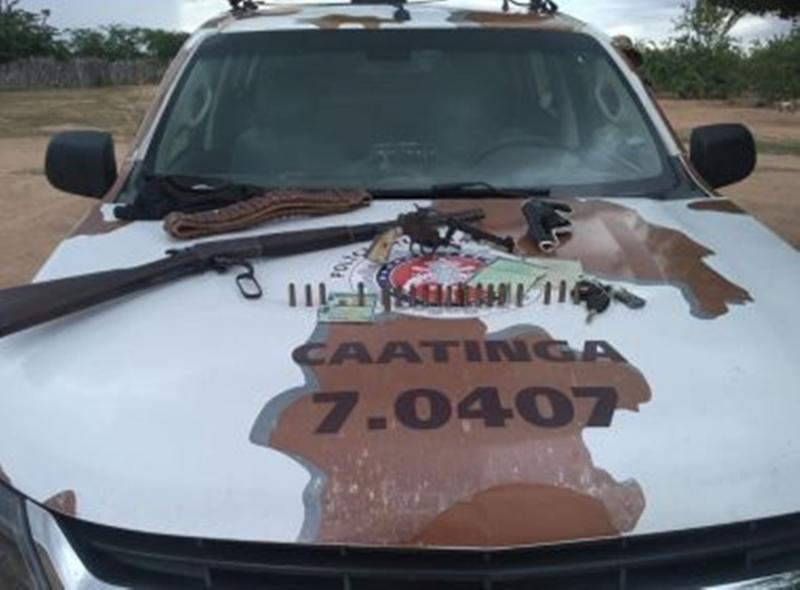 Idoso de 63 anos é capturado com carabina e revólver em Chorrochó