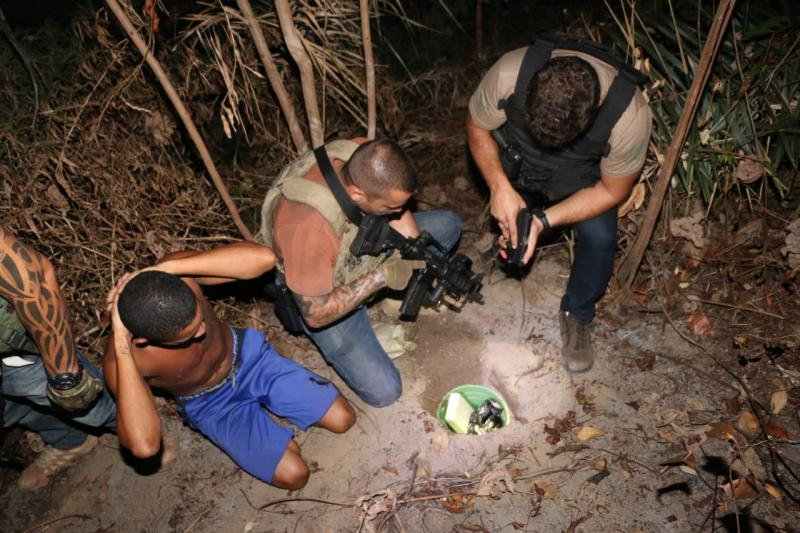 PC desmonta esconderijo subterrâneo de pasta base de cocaína