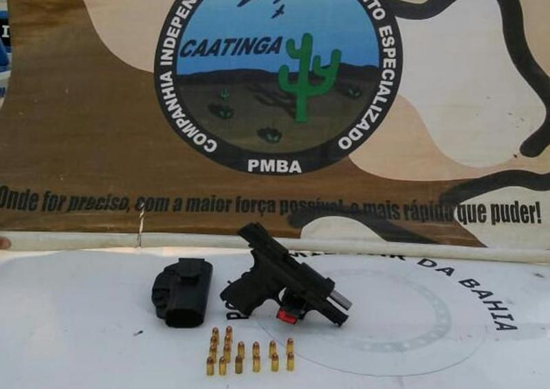 Cipe Caatinga apreende arma, drogas e moto roubada