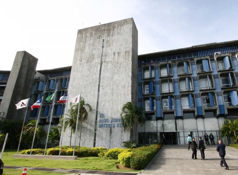 Plínio Carneiro é eleito por aclamação presidente do TCM