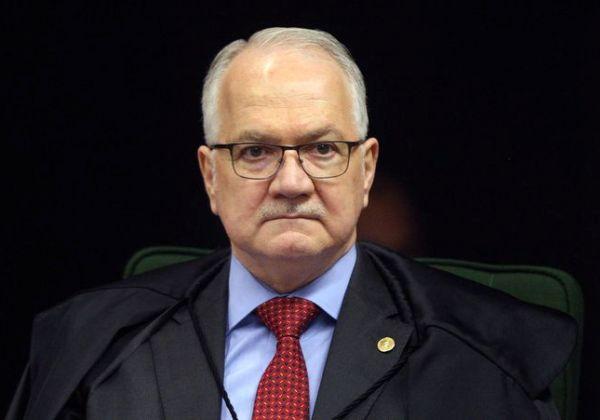 Fachin pede informações a Toffoli sobre inquérito que apura ofensas ao STF