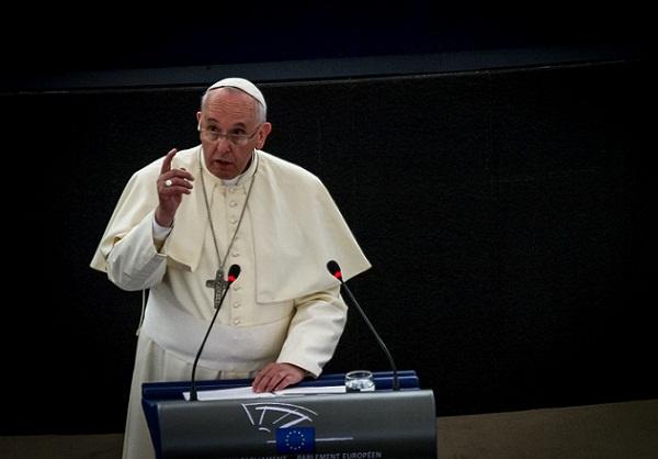Papa publica lei sobre abusos sexuais que limita prescrição de crimes a 20 anos